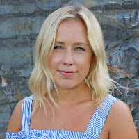 Amanda Ravary   headshot
