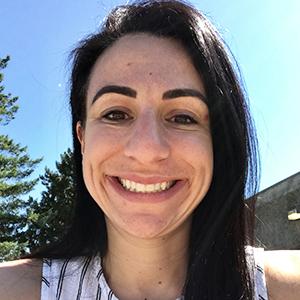 Lara Aknin headshot