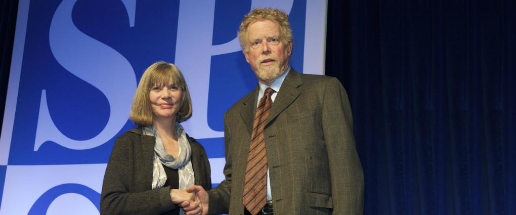 Neil Lutsky Receives Teaching & Mentoring Award
