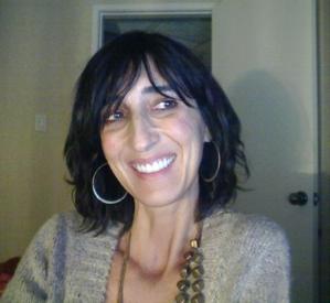 Veronica Benet-Martinez Headshot